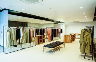 素材とシルエットで勝負する「AURALEE」が 南青山に新店舗をオープン!