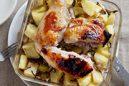 骨付き鶏もも肉の塩麹漬け、きのことジャガイモのオーブン焼き
