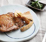 鶏のパリパリ焼きとタケノコのソテー