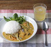 メカジキと夏野菜のココナッツミルクカレー