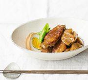 鶏手羽肉とレンコンの黒酢照り煮