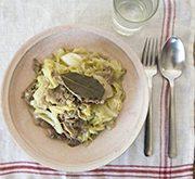 豚肉とキャベツのクミン風味煮込み