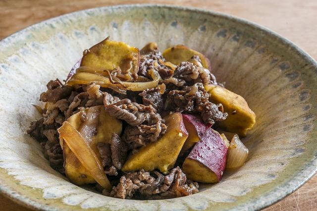 牛肉とサツマイモの赤ワイン煮