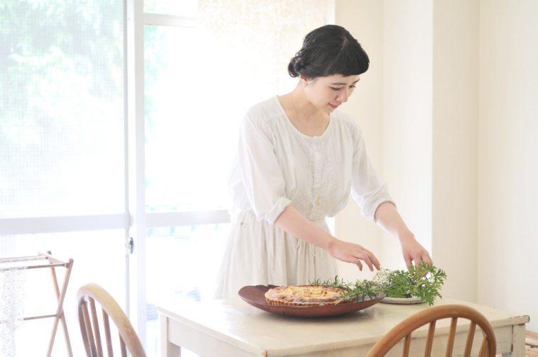 料理家 星谷菜々さんが実演指導! 【身近なもので素敵に撮る】お菓子と花の写真教室