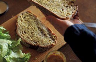 BREAKFAST STYLE⑥ 1 日の始まりは大好きなパン|秋山洋子さん