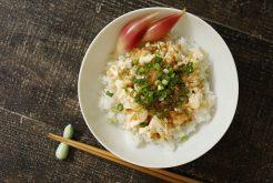 かみなり豆腐丼