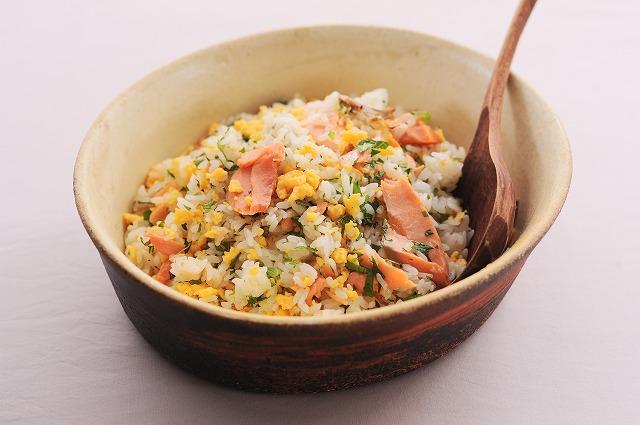 塩鮭と炒り卵のレモンミントご飯