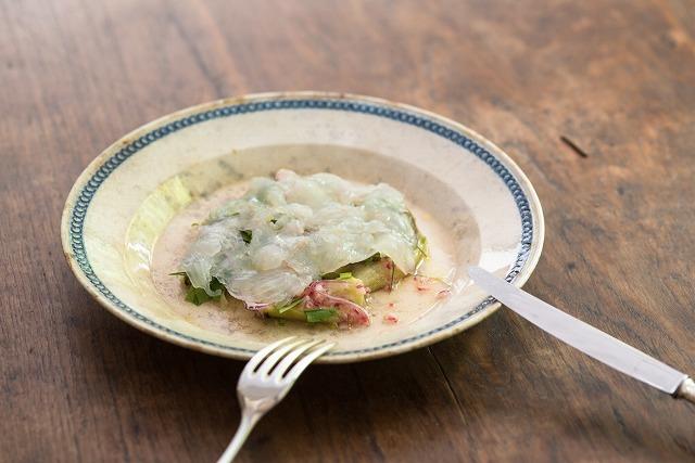 焼きナスと白身魚のカルパッチョ