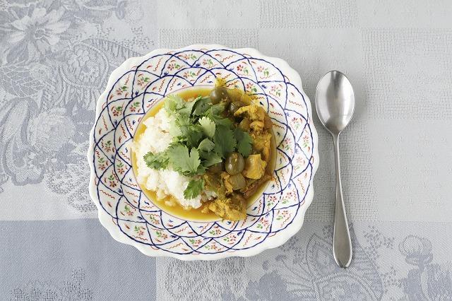 鶏肉とグリーンオリーブの煮物