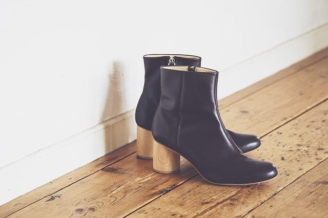秋晴れの日に履きたい! ヒールを選べるブーツ