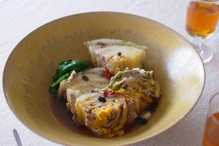 「わたしの晩酌 オレンジ白菜と豚肉の豆豉煮」村山由紀子