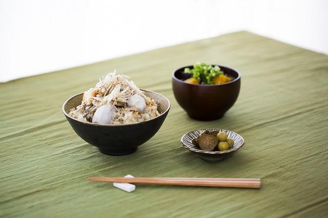 里芋と鶏そぼろとゴボウの炊き込みご飯