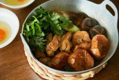 鶏肉と揚げ麩のすき焼き