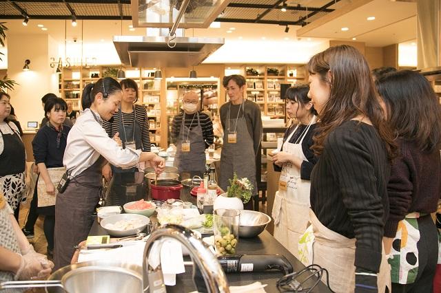 WEDGWOODの「Gio」で料理がもっと楽しくなる! みないきぬこさんの料理教室 イベントレポート