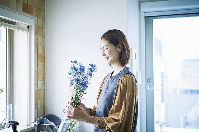 花を持つ二ノ宮さん