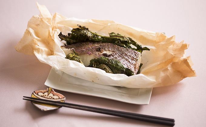 鯛とワカメのオーブン焼き