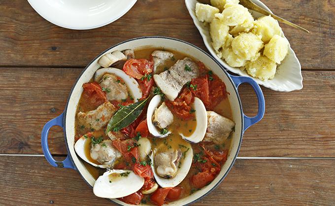 ハマグリと豚肉のトマト煮込み