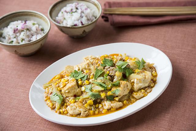 トウモロコシとセロリのスパイシー豆腐