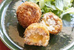 鮭とレンコンのチーズメンチカツ