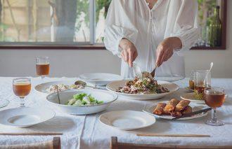 人気料理家10名の食器棚を公開!料理をもっとおいしく見せる「料理上手の器選び」