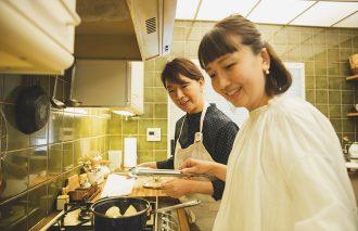 小堀さんに教わる、「豚肉とらっきょうの炒め物」と「肉じゃが」レシピ FOR LIFE KITCHENの撮影の裏側!【後編】
